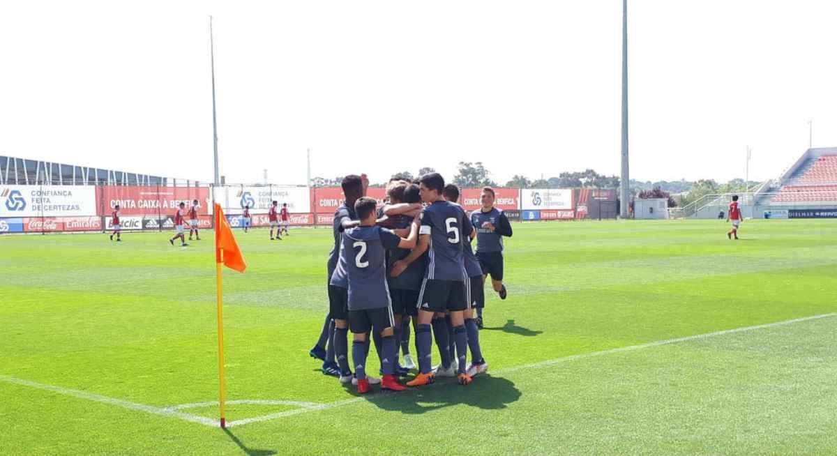 Iniciados goleiam (7-0) Braga no Seixal e seguem na liderança