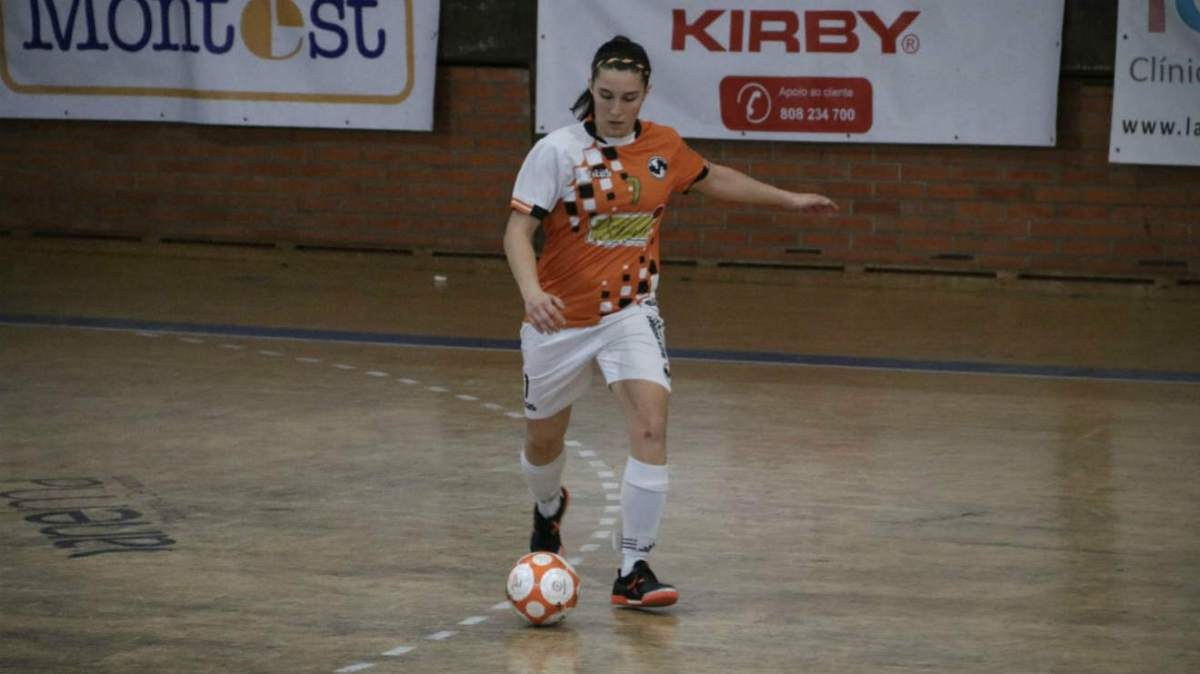 Ana Mendonça reforça futsal feminino