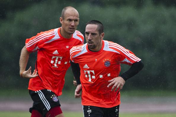Arjen+Robben+Franck+Ribery+Bayern+Munich+v+YCLYqq8T_Sol