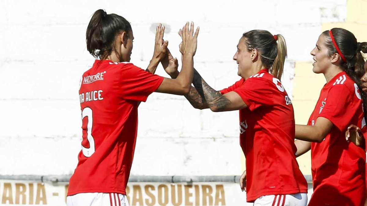Benfica esmaga Vidreiros por 19-0 no futebol feminino