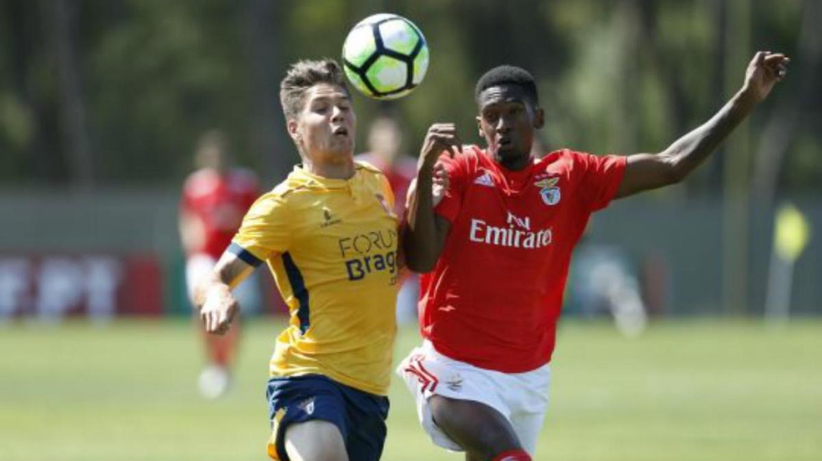 Estreia vitoriosa de Luis Tralhão nos Sub-23 mantém Benfica na liderança