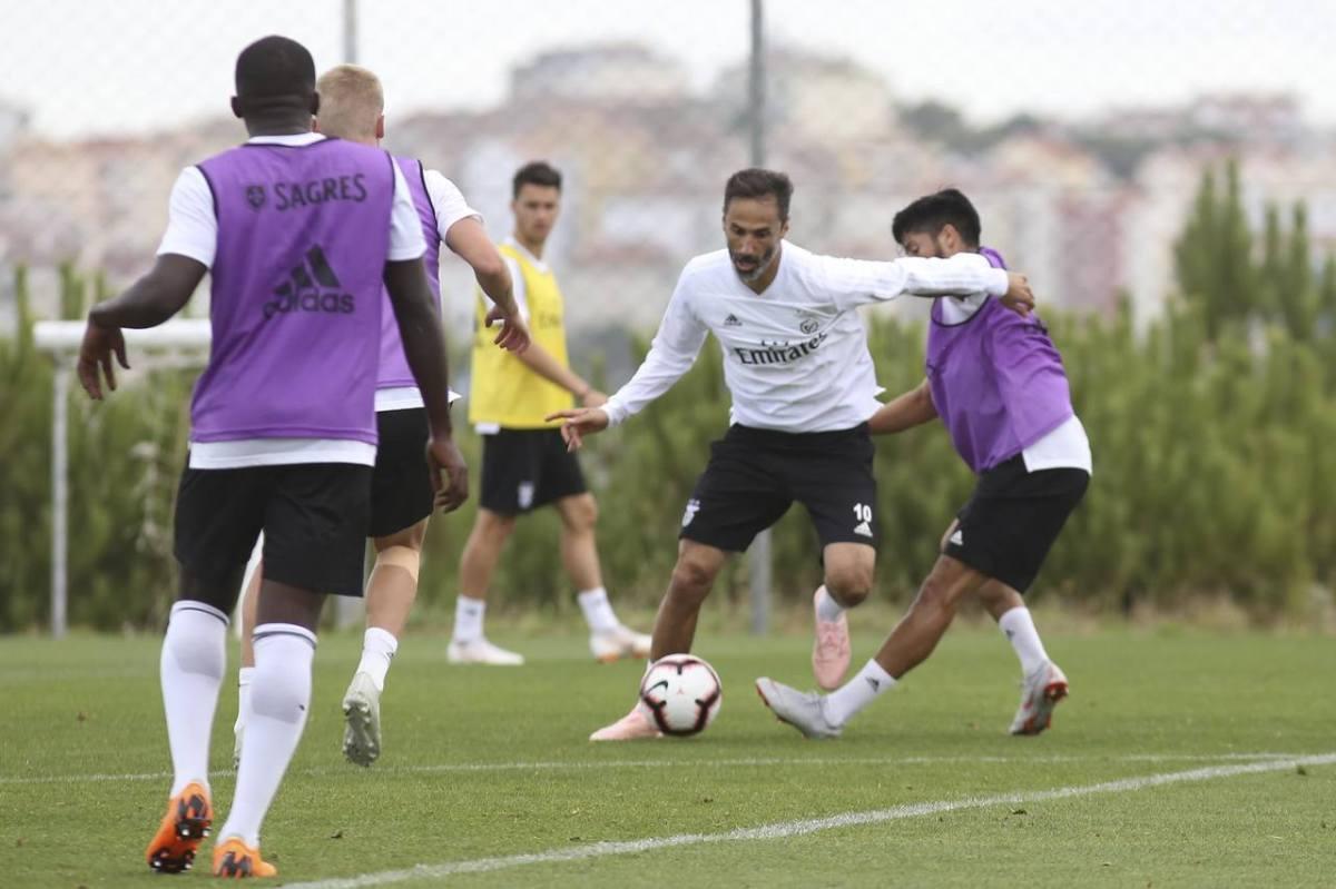 Rui Vitória trabalhou com plantel rejuvenescido em 11 atletas da formação