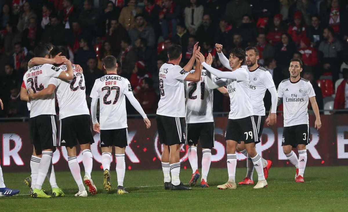 Benfica vai renovar com mais três titulares da Reconquista