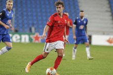 lech-poznan-benfica-jogo-liga-europa (11)